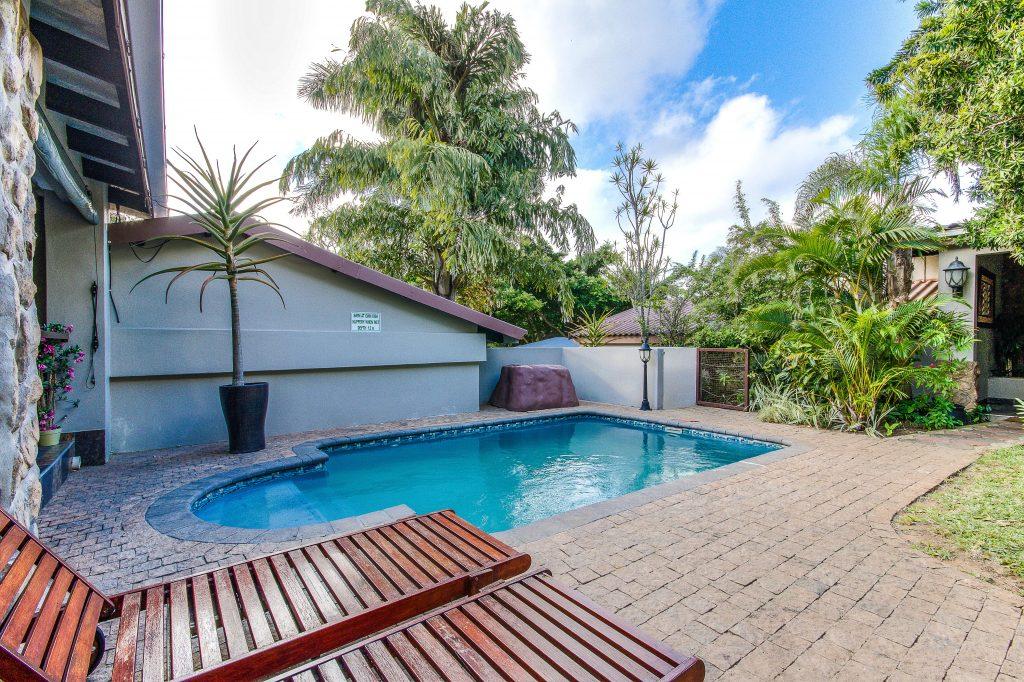 Heritage House pool area